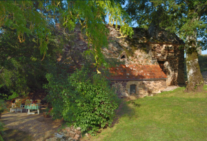 Pretty 1 bedroomed cottage at Domaine de Pessel Holiday Cottages