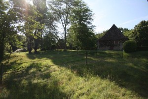 Spacious grounds at Domaine de Pessel Holiday Cottages